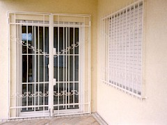 Lattice gate and window grille